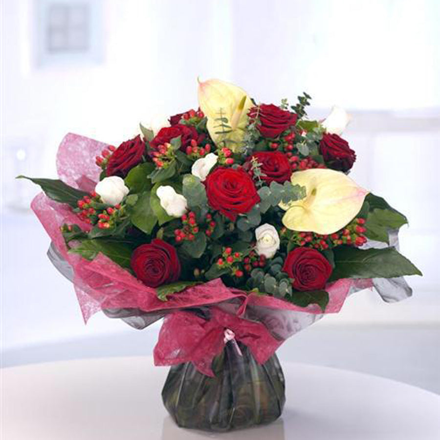 Aquapack Roses & Anthurium Bouquet