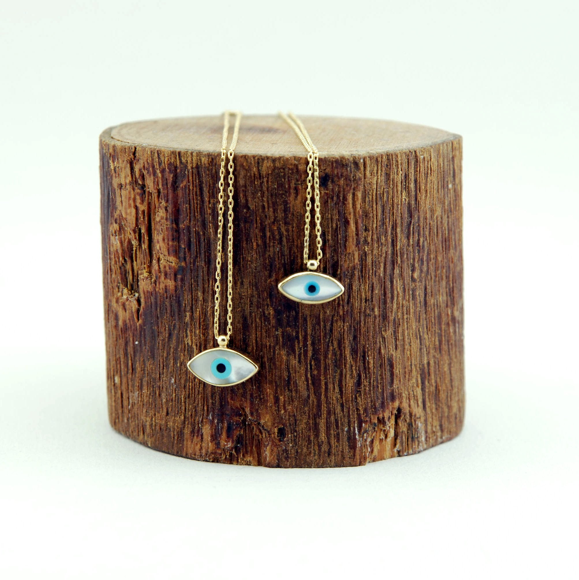 Handmade Mother of Pearl Evil Eye Necklace - Babazen