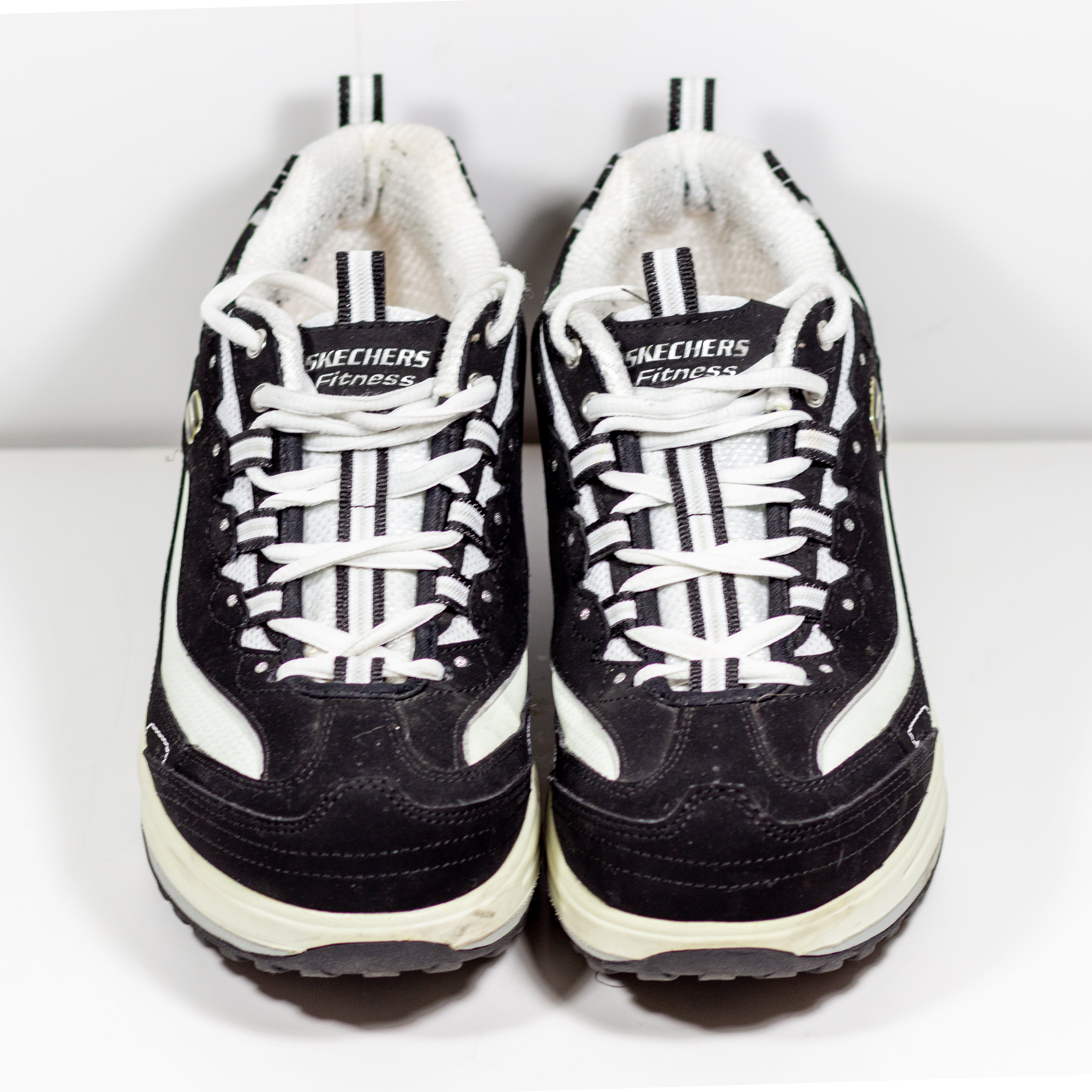 Womens Sketchers Shape Ups Size 8.5 Black Suede White Toning Shoes No Insoles Very Good Pre-Owned condition - Vintage Heaven Shop