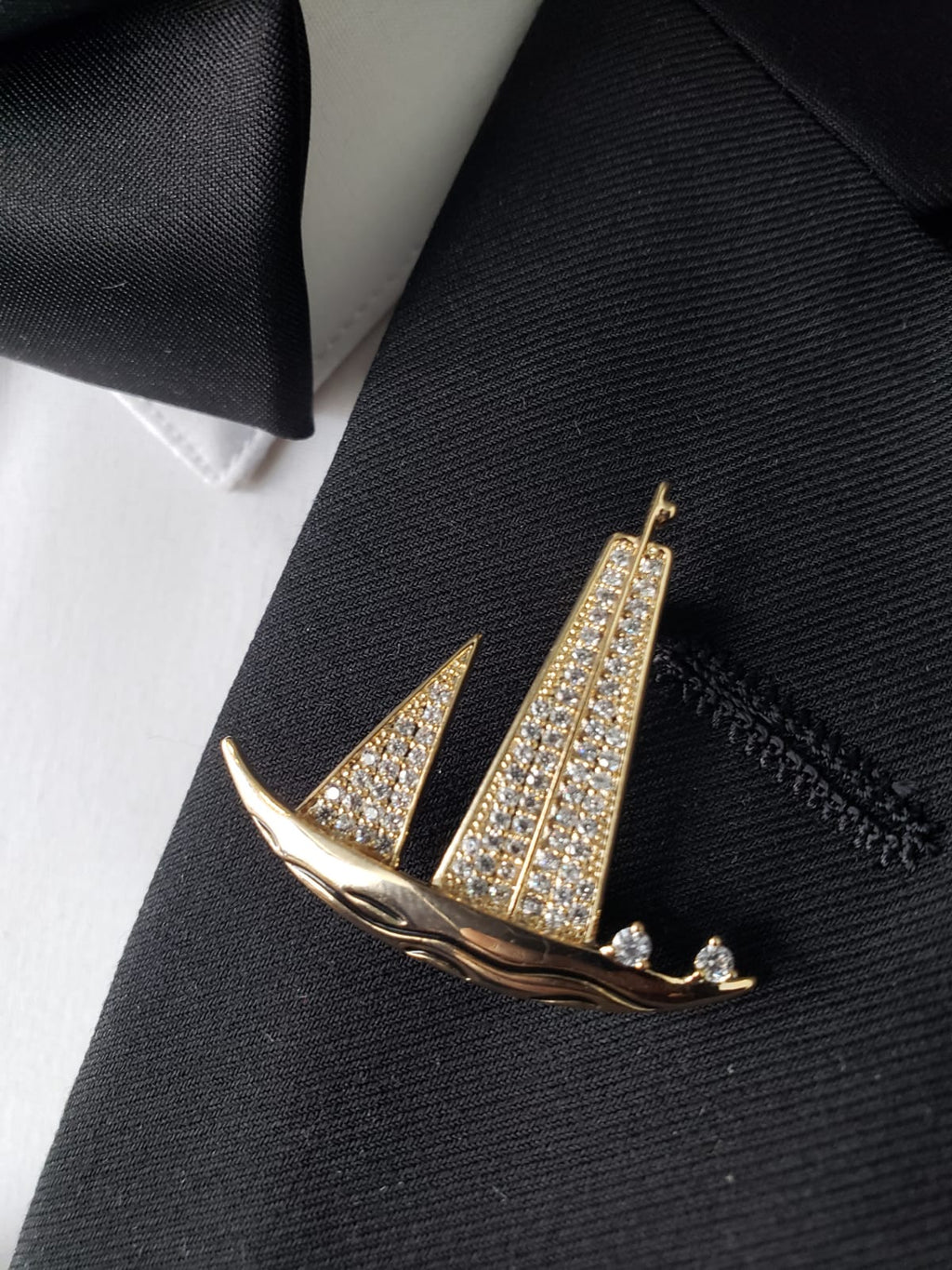 Sail Boat Rose Gold lapel pin