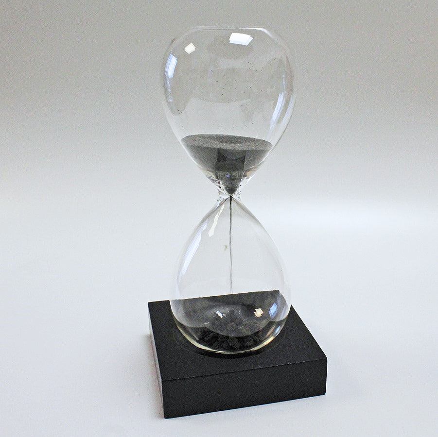Magnetic Hourglass 5 Min Sand Timer by Stone The Crows