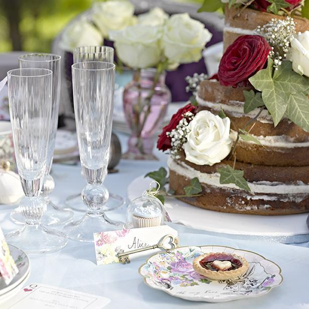 Truly Alice Dainty Paper Plates by Talking Tables Table Setting