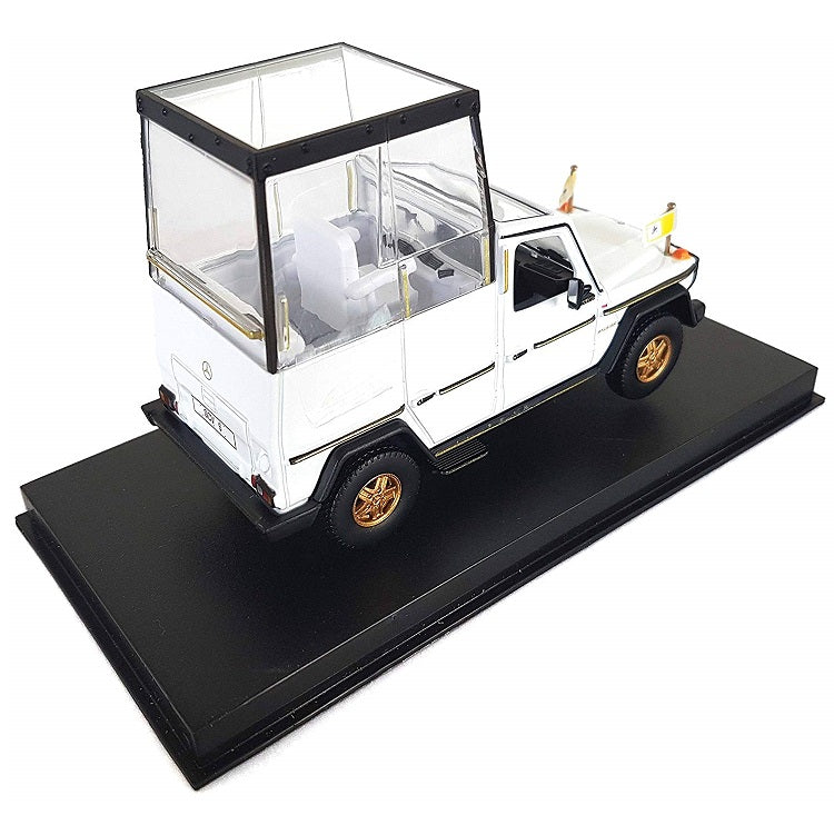 1:43 Mercedes Benz 230 GE Papamobile Pope Mobile on Plinth