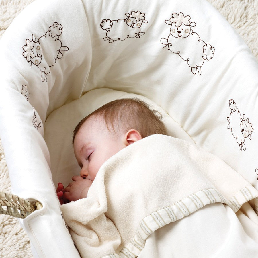 Natures Purest 'Sleepy Sheepy' Counting Sheep Moses Basket With Organic Dressings