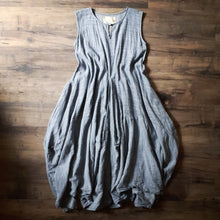 Load image into Gallery viewer, Kajsa Dress In Blue/ Gray Dot