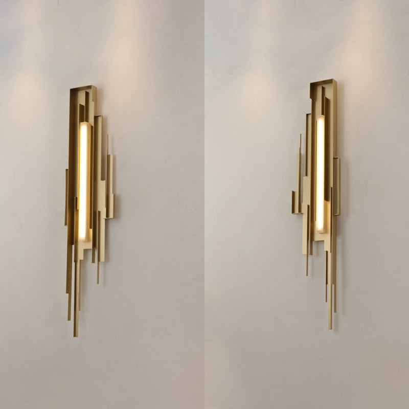 Metal Sculpted Sconce