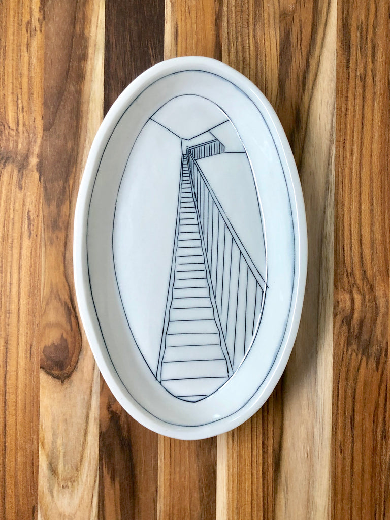 Staircase Medium Oval