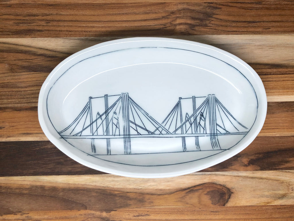 Brooklyn Bridge Medium Oval