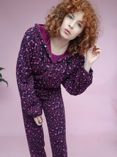 Load image into Gallery viewer, *Sample* Fleece Sweatpants in Purple Leopard