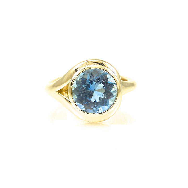 Aquamarine Ring yellow gold