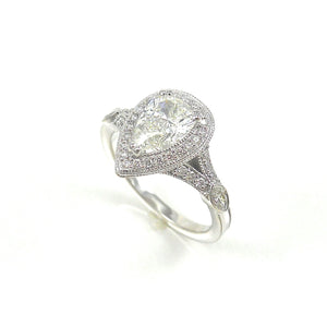 Pear Shape diamond eng ring