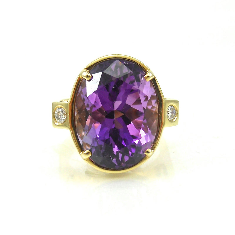 amethyst diamond ring in yellow gold setting