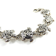 Load image into Gallery viewer, Bali Turtle Link Bracelet