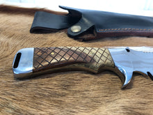Load image into Gallery viewer, Professional Ranger knife #3 - Early prototype - Thorn Wood