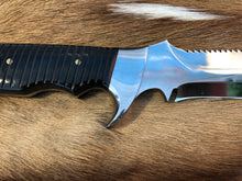 Load image into Gallery viewer, Wild Meester professional hunter #5 - Early prototype - Buffalo Horn