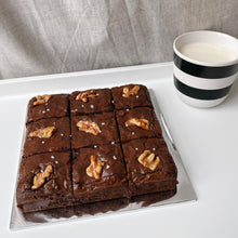 Load image into Gallery viewer, Walnut brownies