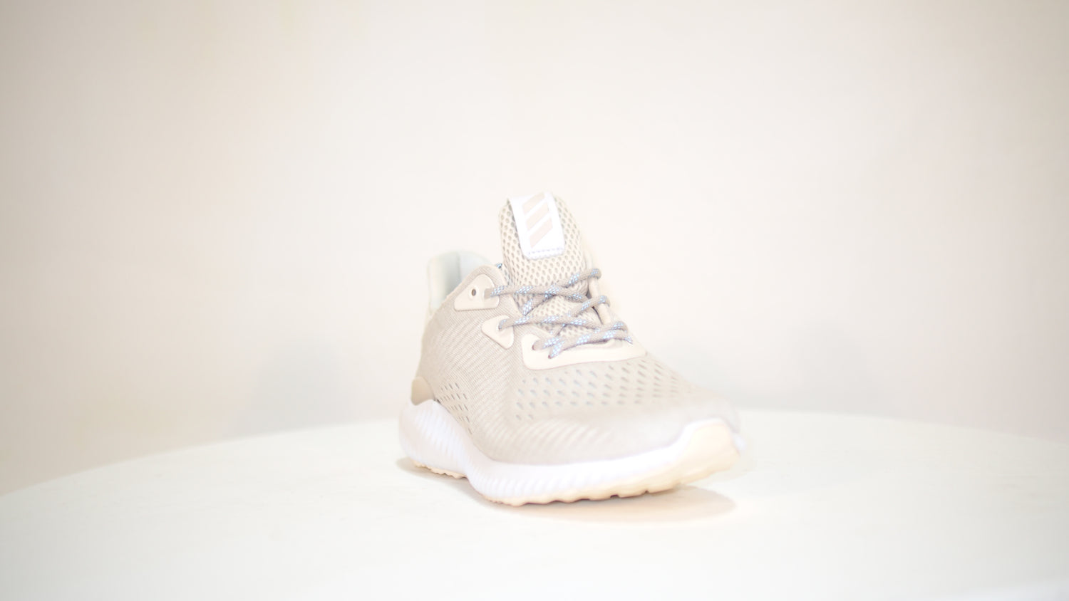 Alphabounce EM W - Dream Town Shoes