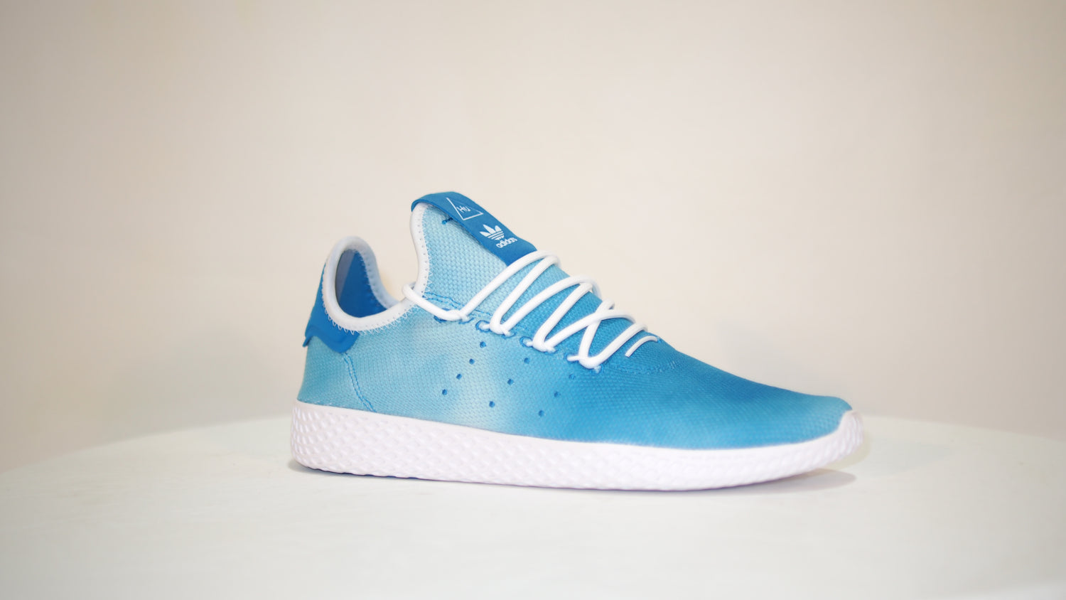 PW Hu Holi Tennis - Dream Town Shoes
