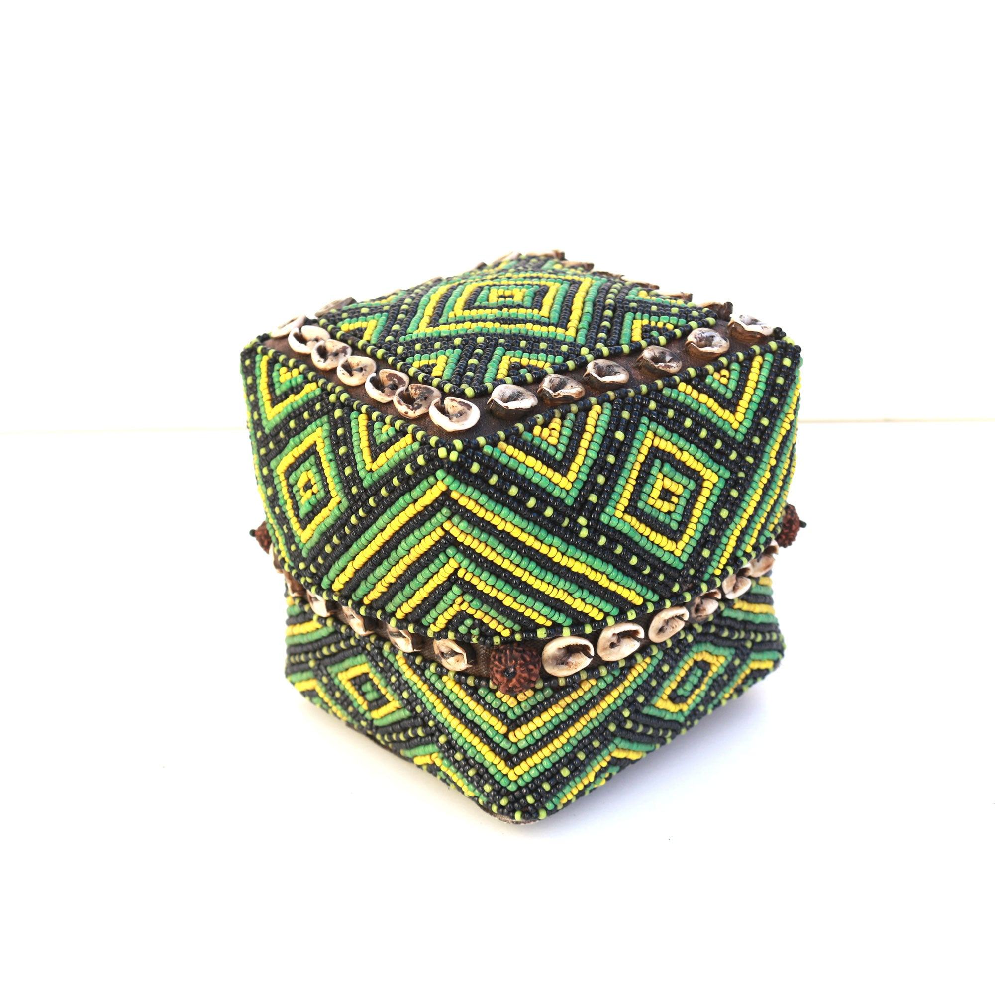 Sumatran green beaded small box