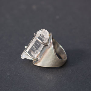 Clear crystal point silver ring