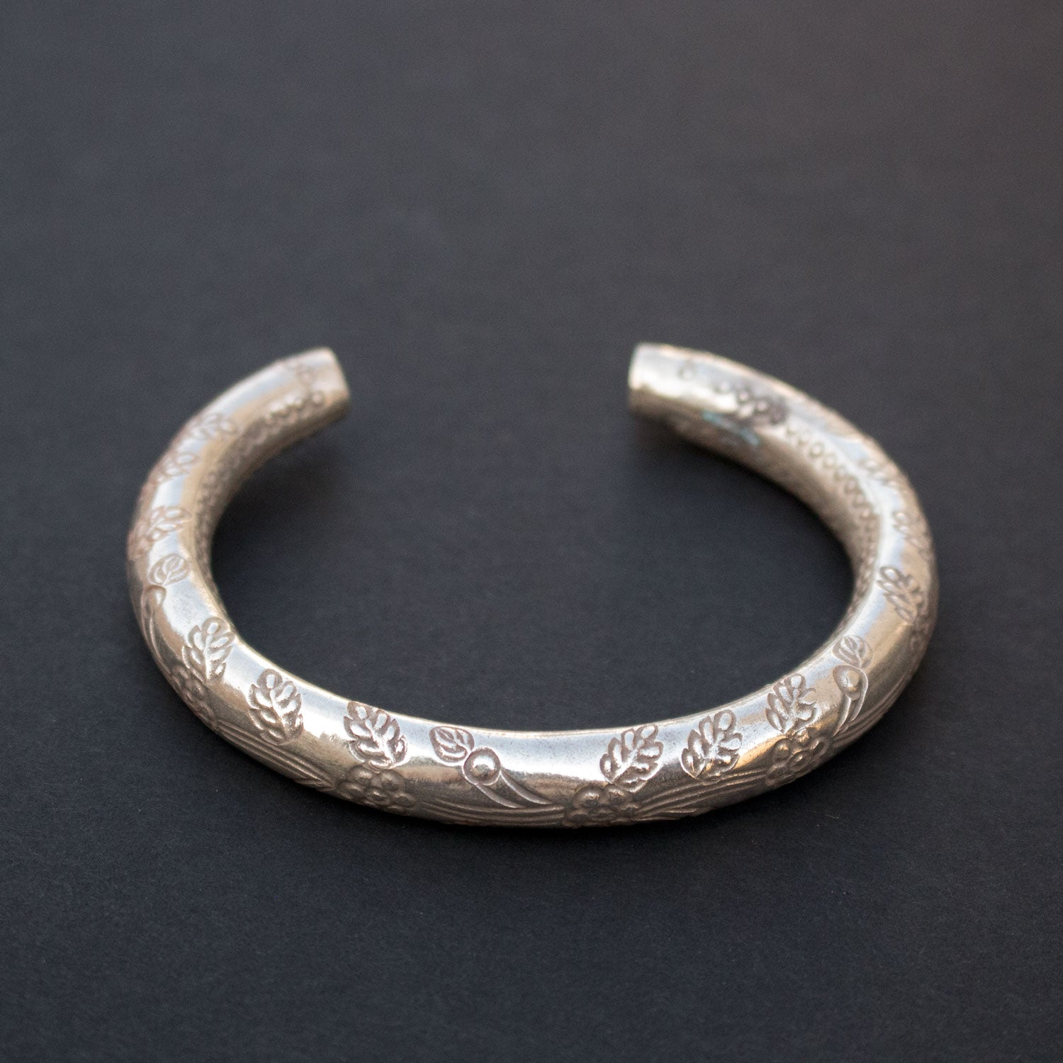 Etched sterling silver bangle