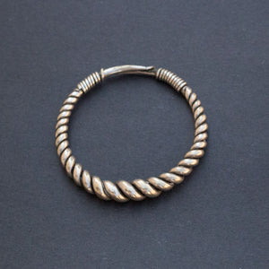 Vintage sterling silver twisted wire bangle