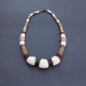 Seashell and corals necklace