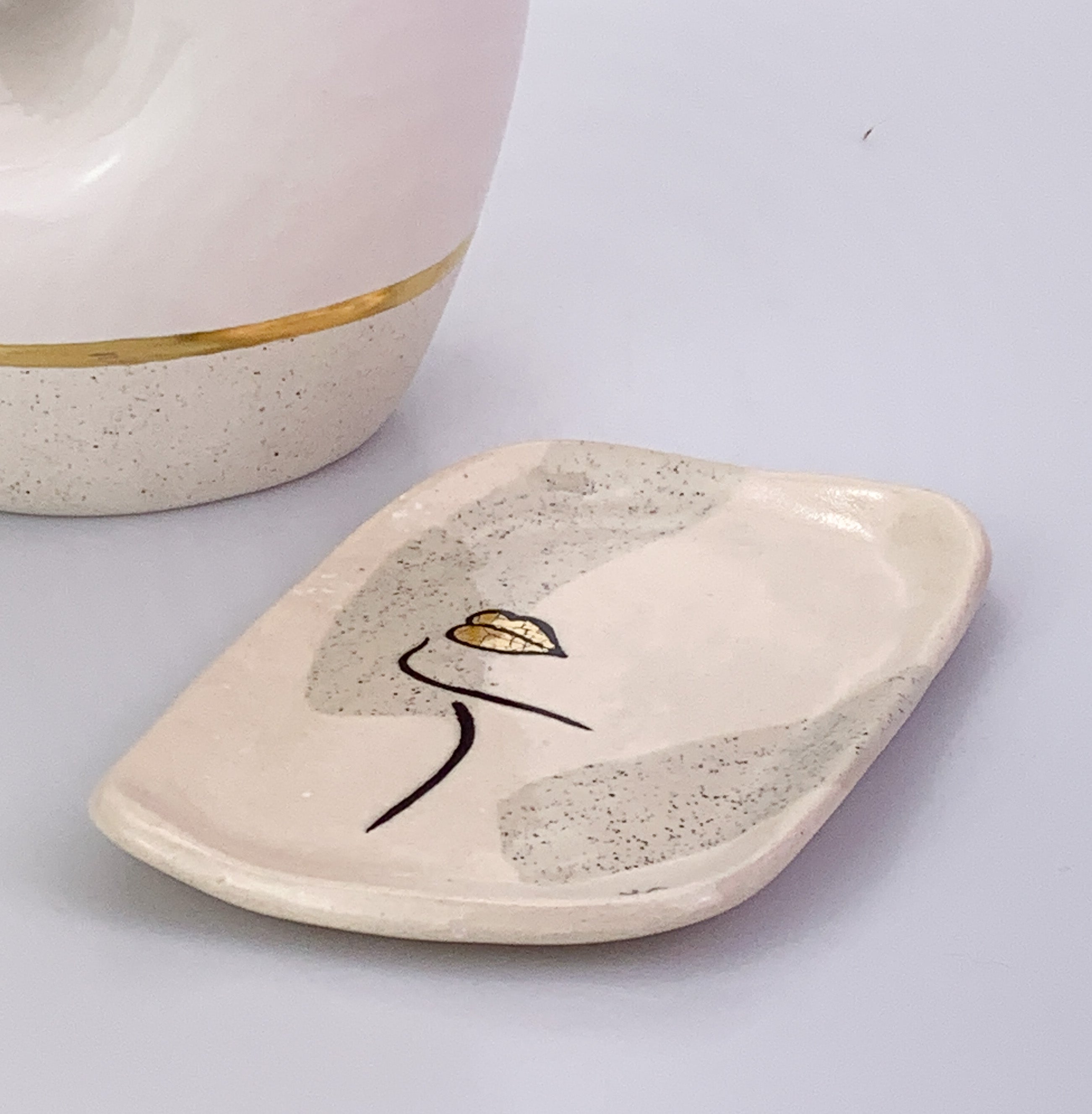 Gold Lips Crackle Dish - Trinket Dish