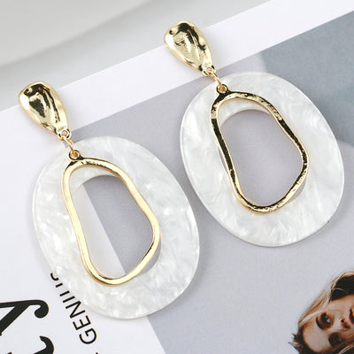Simple White Resin Geometric Drop Earrings