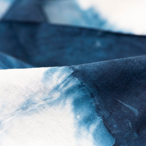 products/ARMOIRE-BANDANA-INDIGO-DETAIL.jpg
