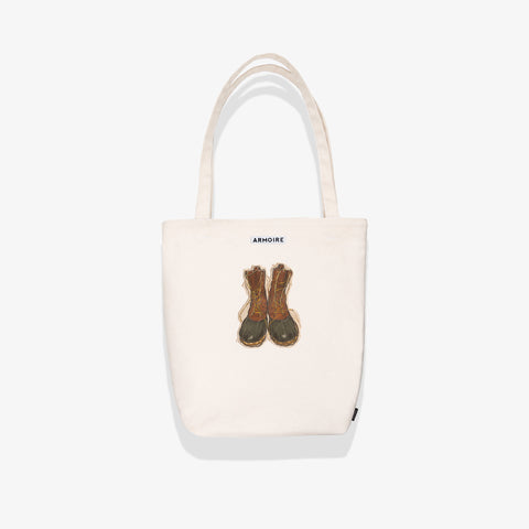 products/ARMOIRE-TOTE-WHITE-LLBEAN-HERO.jpg