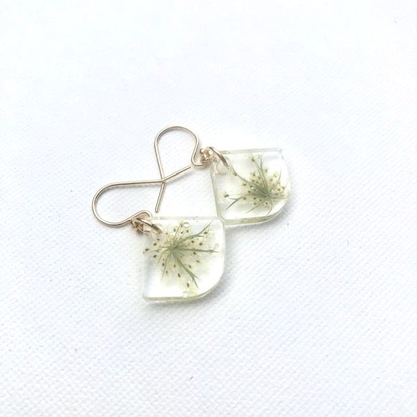 Queen Anne's Lace Dangle Earrings-Gold