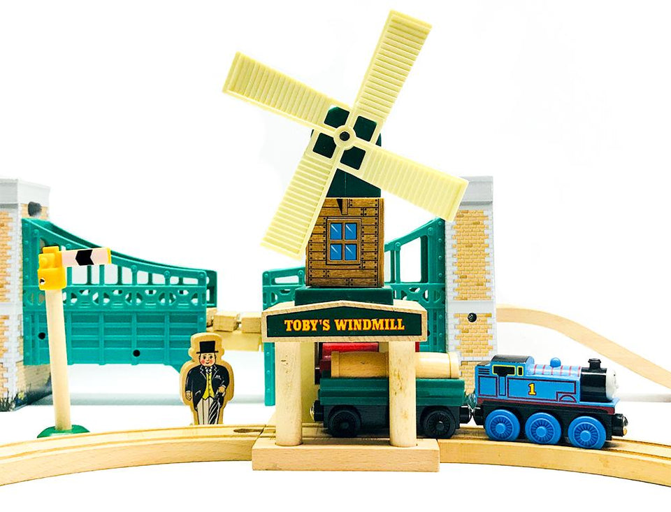 WOODEN TRAINS, TRACKS, STATIONS & BRIDGES