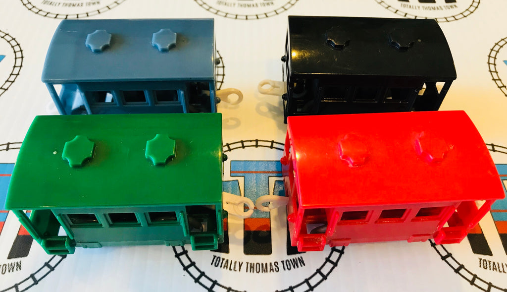Caboose Pack 4 Pieces Used - Trackmaster - Totally Thomas Town