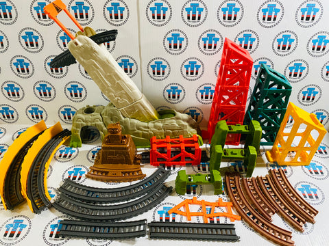 Assorted Avalanche Escape Pieces Pack Used - Trackmaster