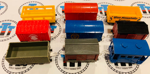 Assorted Cargo Car Grab Bag 9 Pieces Used - Trackmaster