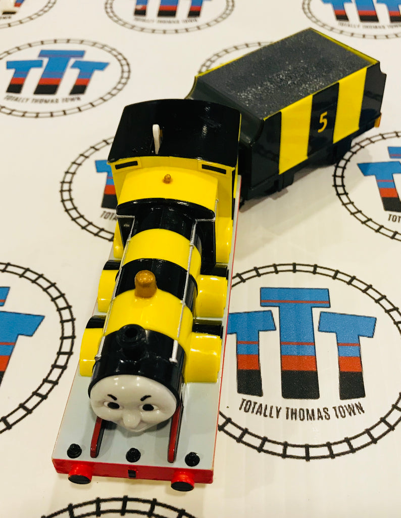 Busy Bee James (2002) Very Good Condition Used - TOMY - Totally Thomas Town