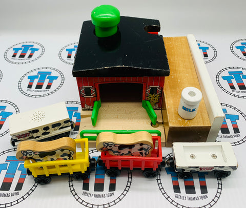 Barn with 2 Cows, 1 Milk Barrels, 1 Cow Car, 2 Circus Train Cars, 1 Barrel Car and Ramp Rare Wooden - Used