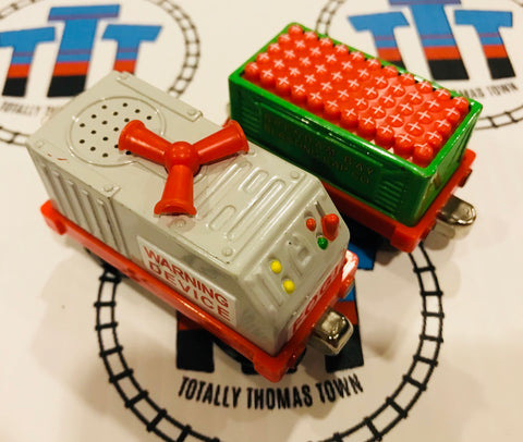 Fog Horn and Blasting Cap Car (2006) Good Condition Used - Take N Play - Totally Thomas Town