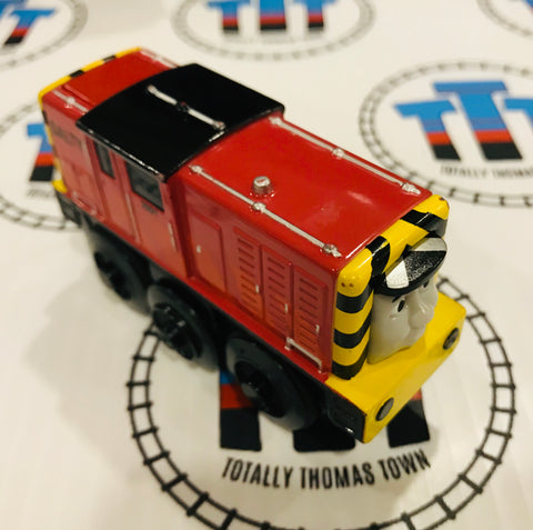Battery Salty (2012) Good Condition Wooden - Used - Totally Thomas Town