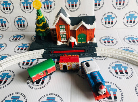 Adapted Thomas Christmas Delivery Set with Lights & Sounds Rare Used - Trackmaster