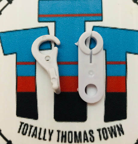 Engine Clips/Hooks new 2 Pieces - Trackmaster - Totally Thomas Town