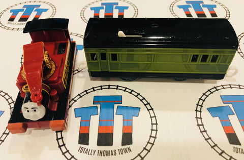 Harvey and Passenger Car Good Condition (2006) Used - Trackmaster - Totally Thomas Town