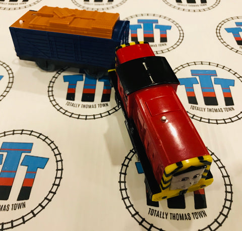 Salty and Cargo (2010 Noisy) Good Condition Used - Trackmaster - Totally Thomas Town