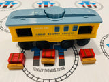 Lionel Great Railway Limited Baggage 1605 with 3 Luggage Pieces Wooden - Used