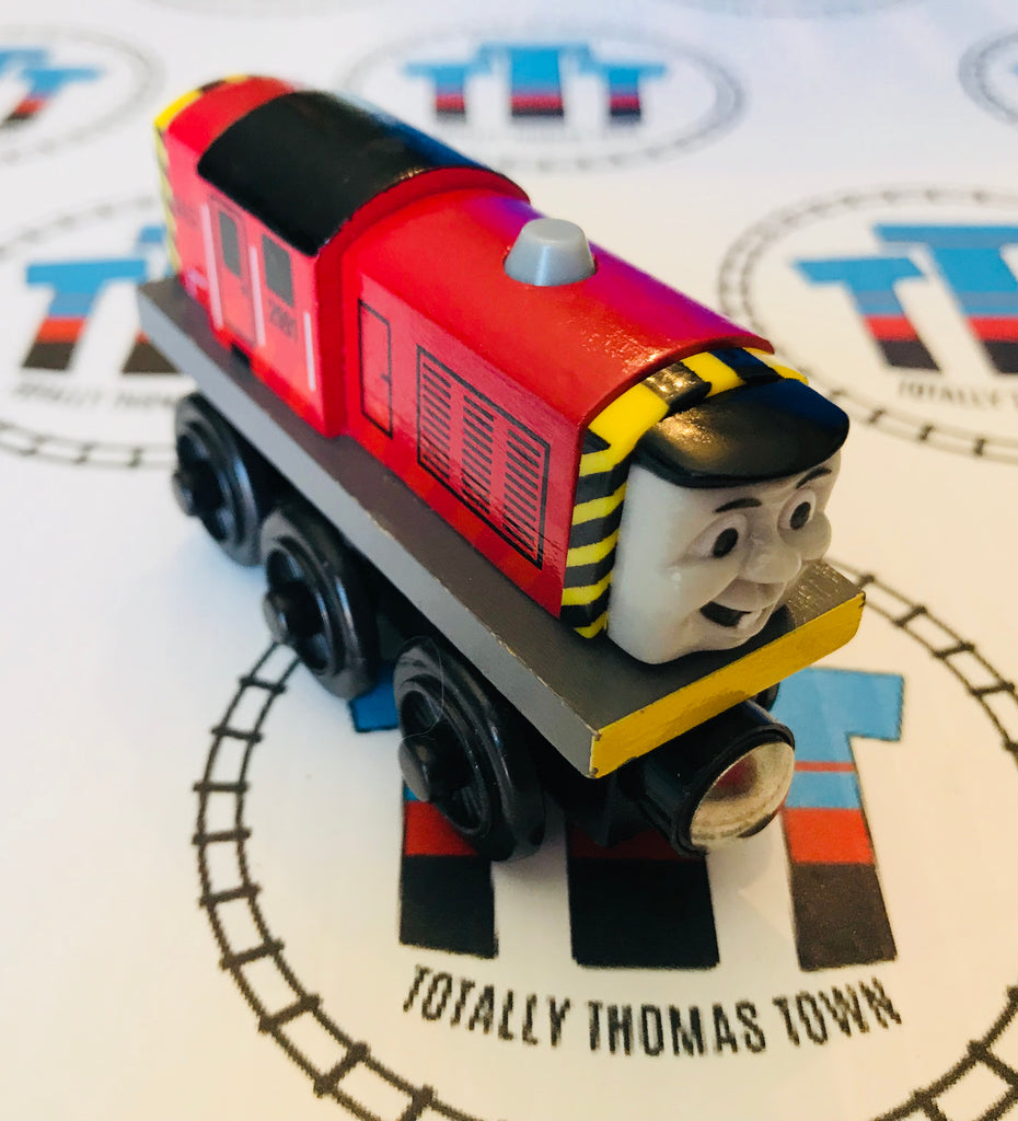 Salty (2003) Very Good Condition Wooden - Used - Totally Thomas Town