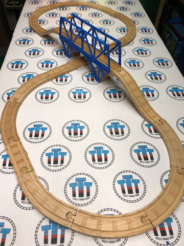 Figure 8 with Sodor Bay Bridge Set Wooden - Used