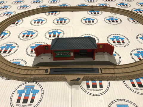 Oval Set with assorted station Used - Trackmaster