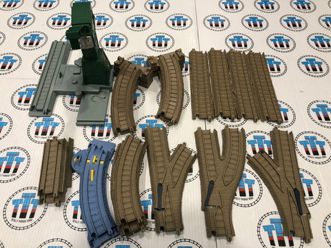 Assorted Trackmaster Track Pack with Cranky (missing arm) Used - Trackmaster