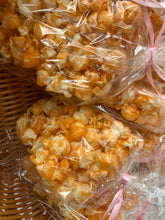 Load image into Gallery viewer, Vanilla popcorn treat- sets of 8 (Produced by Three Lil' Bakesters in a Commercial Kitchen)